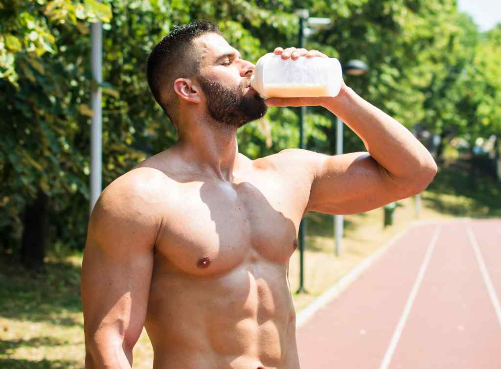 whey isolate helps in muscle recovery and bodybuilding